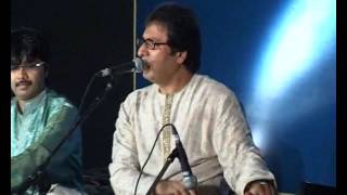 Talat Aziz singing 'Chahenge tujhe' Live in a Private Concert