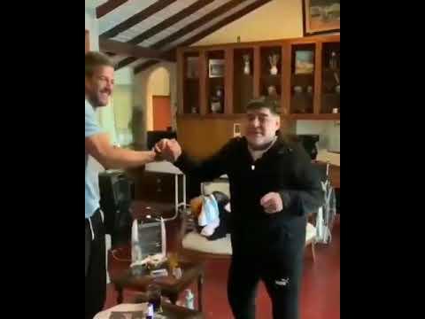 Maradona avisó que ya puede volver a dirigir