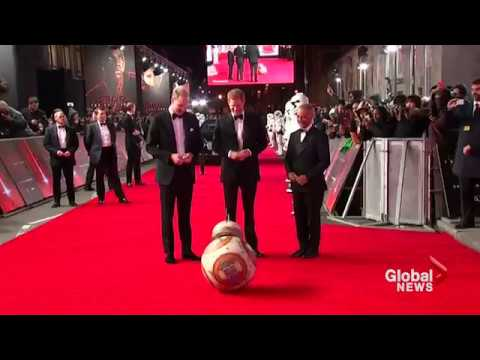 Star Wars droid greet royals at U.K. premiere, cast calls Prince Harry a Jedi