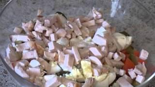 Салат из копчёной курицы с орехами