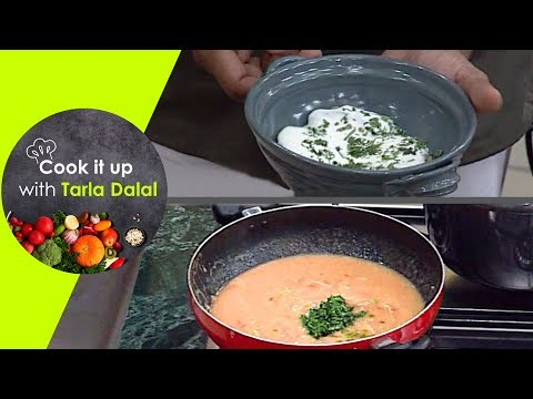 Cook It Up With Tarla Dalal -Ep 23 - Veg Soup, Moong Dal Dahi Wadas & Stuffed Spinach in White Sauce