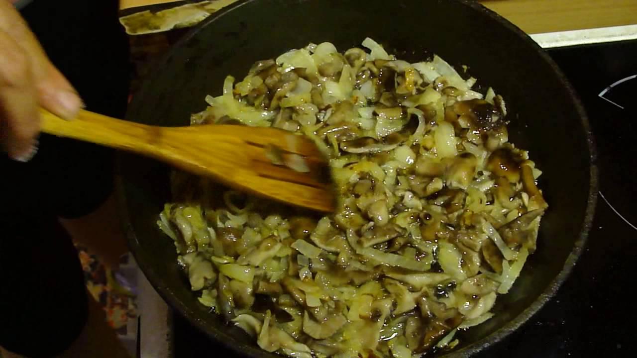 пожарить опята с луком и картошкой