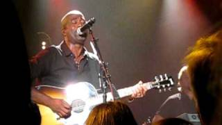 "Darius Rucker ""I Go Blind"" - New York, NY"