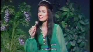 Watch Loretta Lynn Hello Darlin video