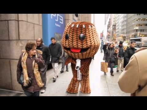Trailer – LITTLE BIG PLANET 2 Guiness World Records Event: Sackboy Takes Manhattan