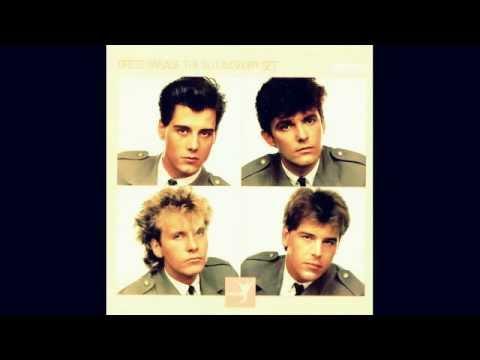 "THE BLOOMSBURY SET 'DRESS PARADE' 12"" SINGLE 1983."