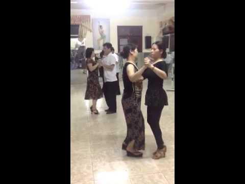 Khiêu vũ điệu Tango cổ điển