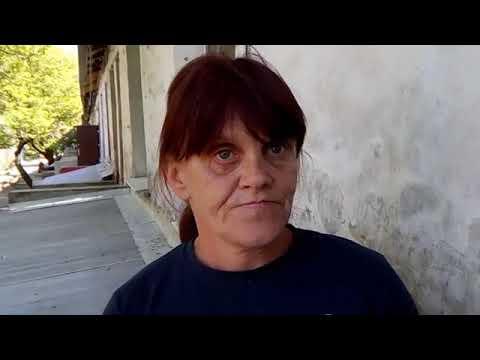 жительница Донбасса, — Порошенко пошел ты в жопу. (архив)