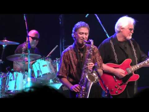 Guitar Woody and the Boilers at John Asquaga\'s Nugget - YouTube