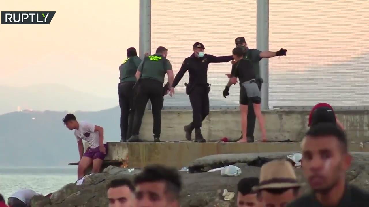 نحو 5 آلاف مغربي دخلوا سبتة بصورة غير شرعية حسب إعلان السلطات الإسبانية