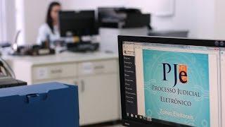 O Processo Judicial Eletrônico (PJe) torna-se obrigatório para a tramitação de ações nas Zonas Eleitorais das capitais dos estados a partir desta terça-feira (20) ...