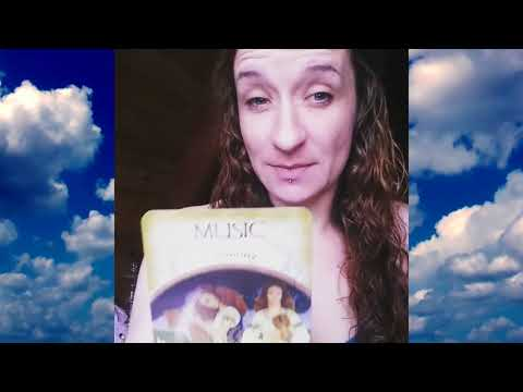 meet-your-psychic-online-psychics-introducing-psychic-nina-with-a-tarot-reading