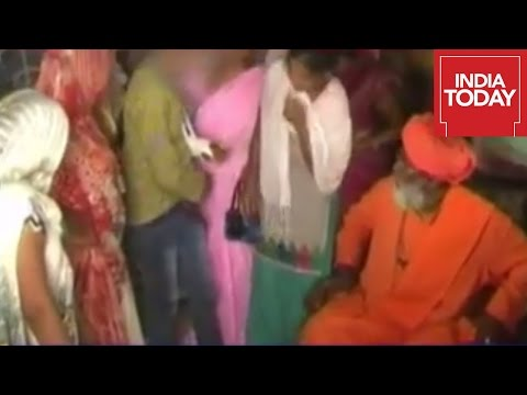 Sakshi Maharaj Asks Woman To Undress In Public