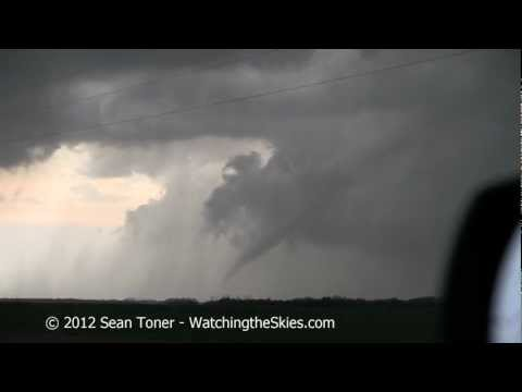 03/18/2012 Tornado near Willow, Oklahoma