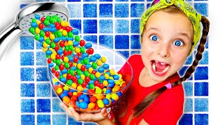 Magic shower story | kids playing with candies Pretend play with Fursiki show