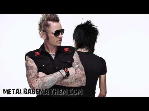 Rock N Roll Clothing/Jewelry Video from Metal Babe Mayhem