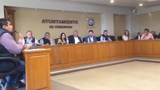 Se manifiestan en sesión de cabildo en Ensenada