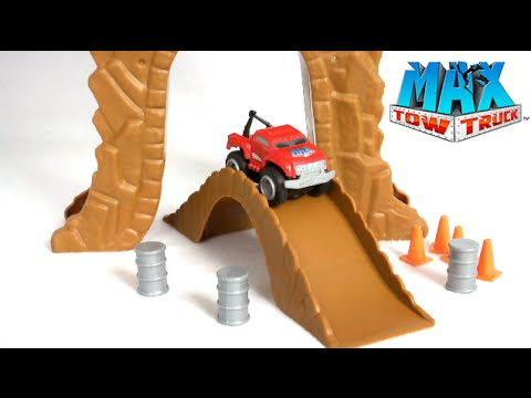 Max Tow Truck Max Mini Off Road Playset From Jakks Pacific Youtube