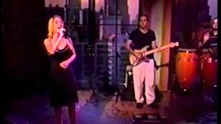 Jennifer Paige - Crush (FIRST LIVE PERFORMANCE on Regis & Kathie Lee)