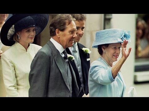 Photographer Lord Snowdon dies aged 86