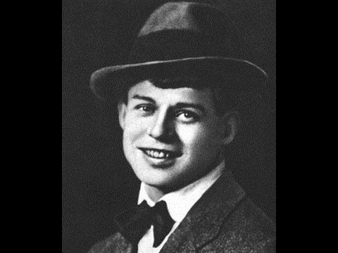 """1921 год. Сергей Есенин читает свои стихи """"Я покинул родимый дом"""". Запись голоса."""
