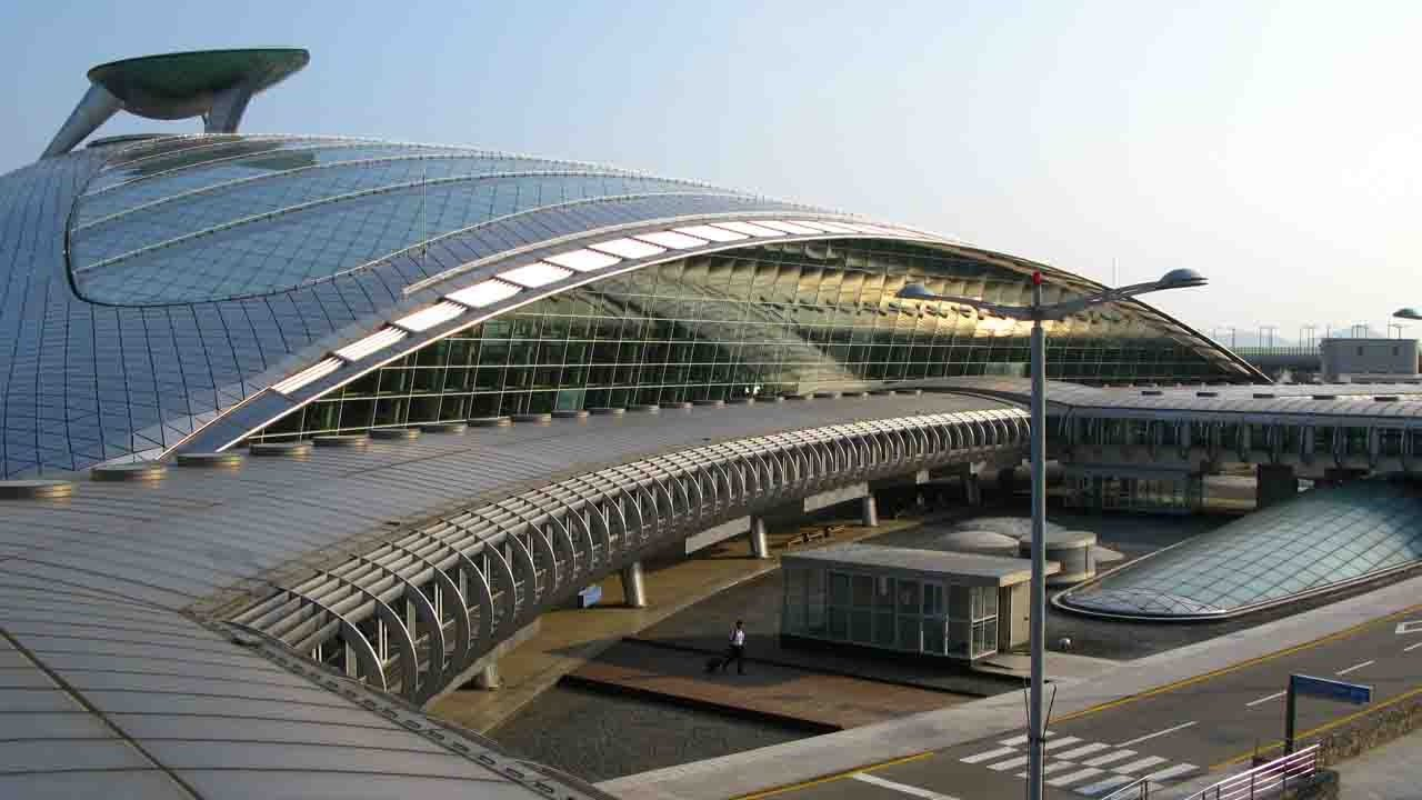 Top Most Beautiful Airports In The World Pastimers - 10 most beautiful airports in the world