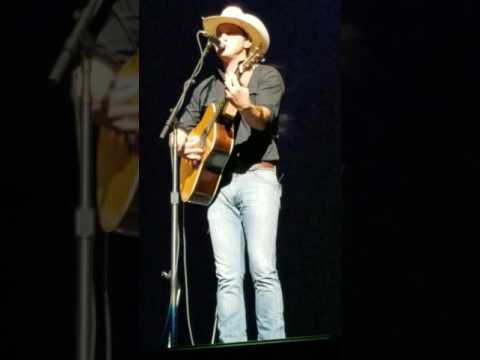 Jon Pardi - -- Heartache on the dance floor acoustic live---OKC May 2017