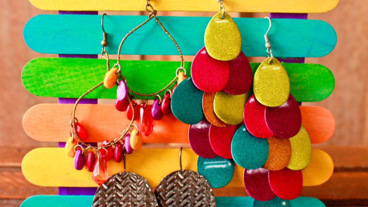 How to make a cool popsicle stick earring display diy for Cool things made out of popsicle sticks