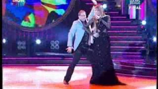 petek dinçöz bak kim dans ediyordan kısa bi dans show2
