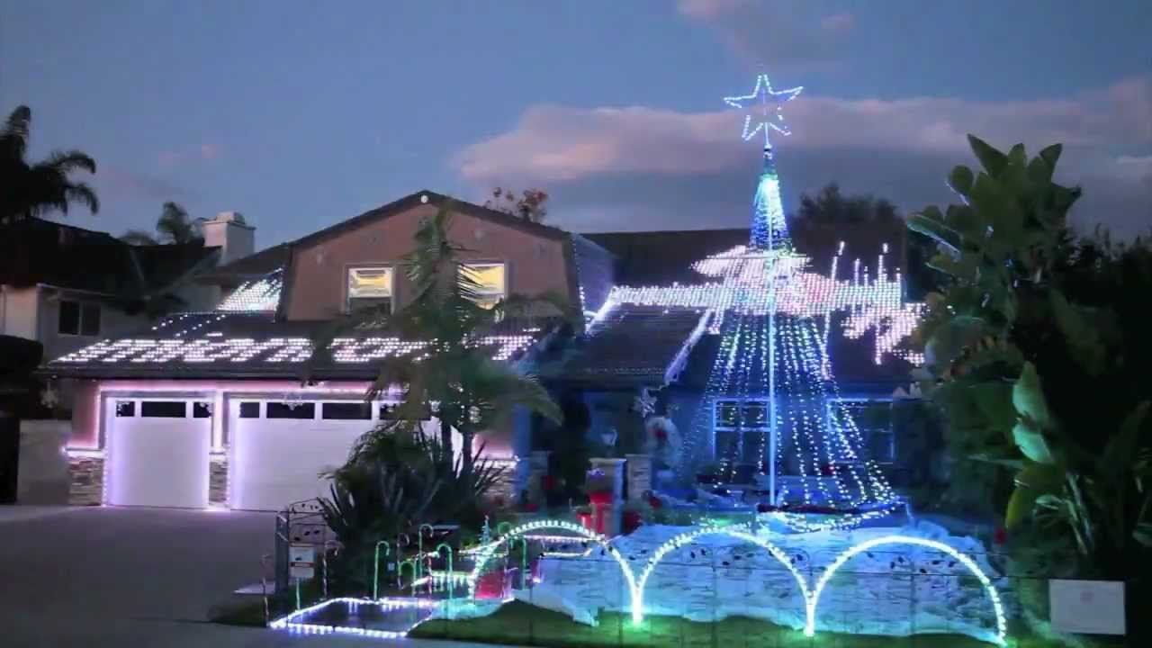 MADRIX Ultimate At Christmas Light Show 2011 In Fountain Valley, CA #2    YouTube