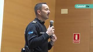 La Policia Local de Calafell dona consells de seguretat per a gent gran.