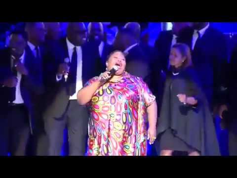 Gospel Singer Kathy Taylor Tribute to Aretha Franklin At Detroit's Chene Park Amphitheatre
