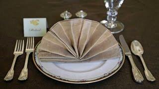 Napkin Folding - Fancy Fan