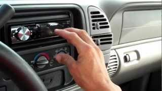 Repeat youtube video Ultra Audioworks- Clean 1997 Chevrolet Silverado FULL System