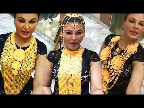 Rakhi Sawant Wears WORLD's LARGEST Gold Jewellery In Dubai!