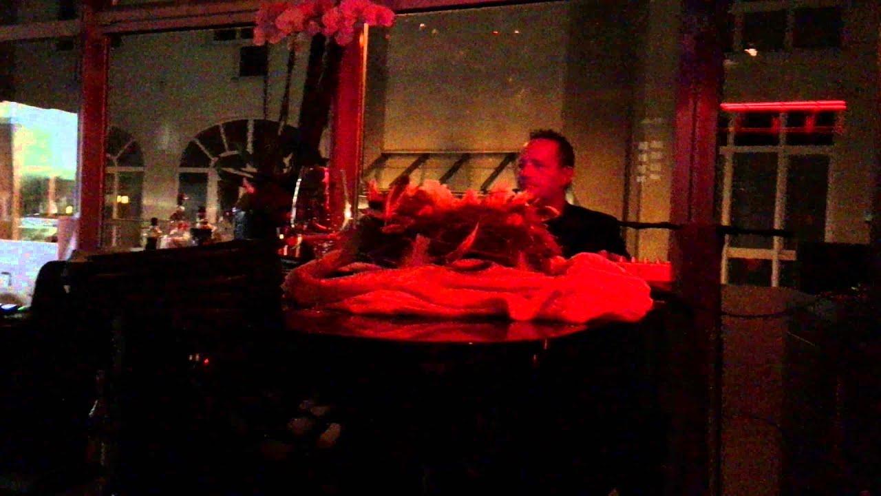 d sseldorf restaurant riva mit dem besten pianospieler d sseldorfs youtube. Black Bedroom Furniture Sets. Home Design Ideas