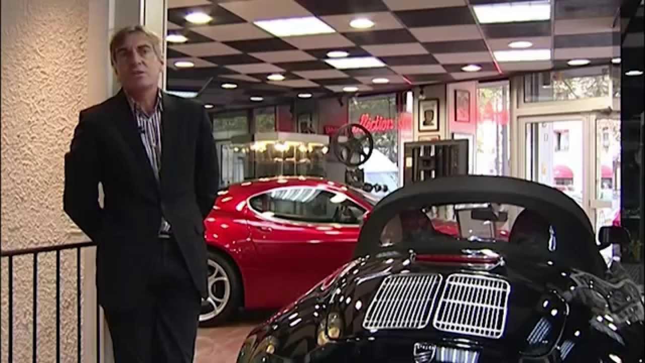 Des voitures de luxe d'occasion aux petits soins. Paris ...