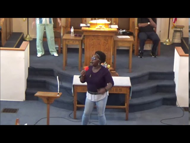 Sounds of Worship lead by Tiffany Brandon singing