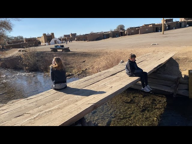 Taos Turns Crazy - Student Film from We Make Movies Smartphone Studio Taos Workshop