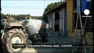 Japanese farmers forced to dump nuked milk - no comment