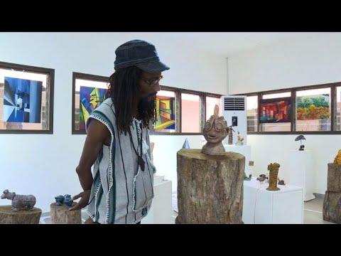 """Abidjan: des sculptures parlantes pour une """"collection fantôme"""""""