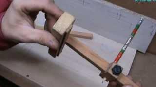 #Мебельные технологии. #Приспособления для разметки деталей 2(Самодельный регулируемый шаблон- рейсшина для разметки размеров при сборке мебели. Подвижный упор на лине..., 2013-10-14T10:06:17.000Z)