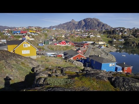 Greenland - SISIMIUT, the colorful port of the north (slideshow)