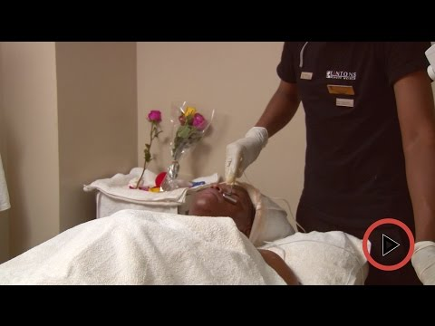 Step by step guide for an electrotherapy facial