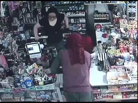 Mangilao shop robbed in daylight