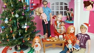 Video Frozen Elsa Anna Babies Decorate Christmas Tree - Frozen Christmas Special with Barbie download MP3, 3GP, MP4, WEBM, AVI, FLV November 2017