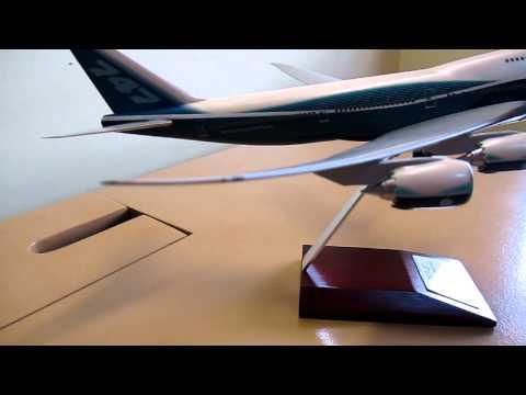 Hogan Wings 1:200 Scale Boeing 747-8 Intercontinental