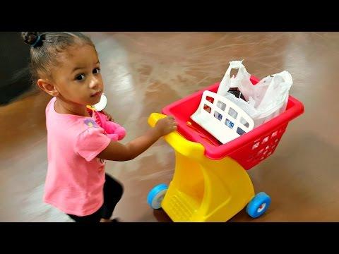 Cute Little Girl Doing Shopping / Toy Shopping Cart / Super Market Song