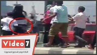 بالفيديو.. تحرش جنسى جماعى على كورنيش النيل وميكروباص يتدخل لإنقاذ الفتيات