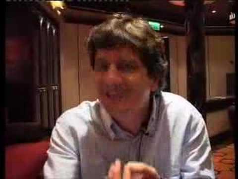 Fabio De Luigi saluta gli amici del blog